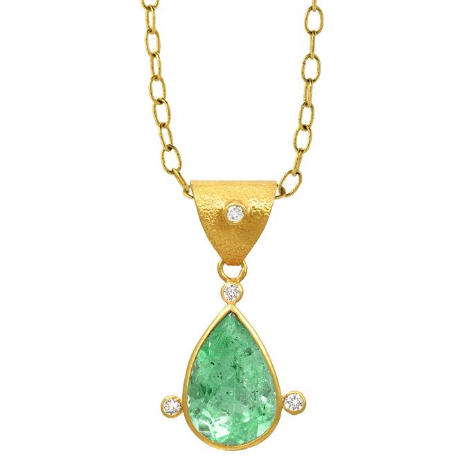 JS Noor Colombian emerald pendant