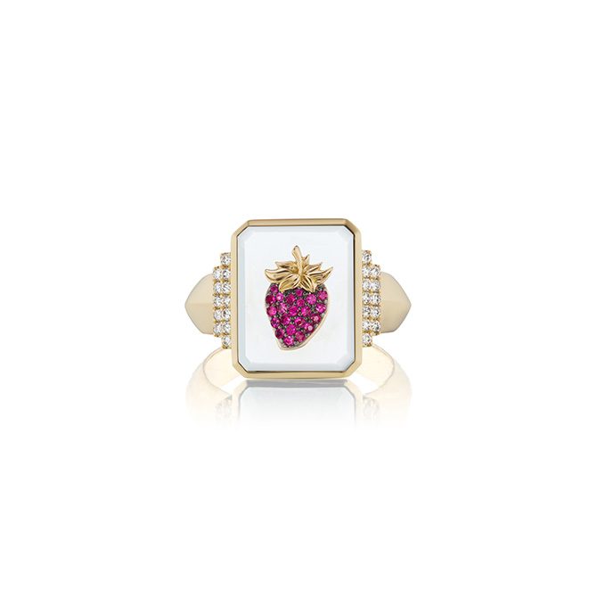 Sorellina strawberry signet ring