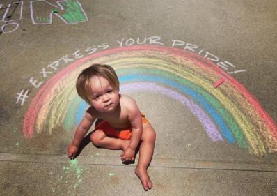 Victoria Gomelsky Lightbox chalk