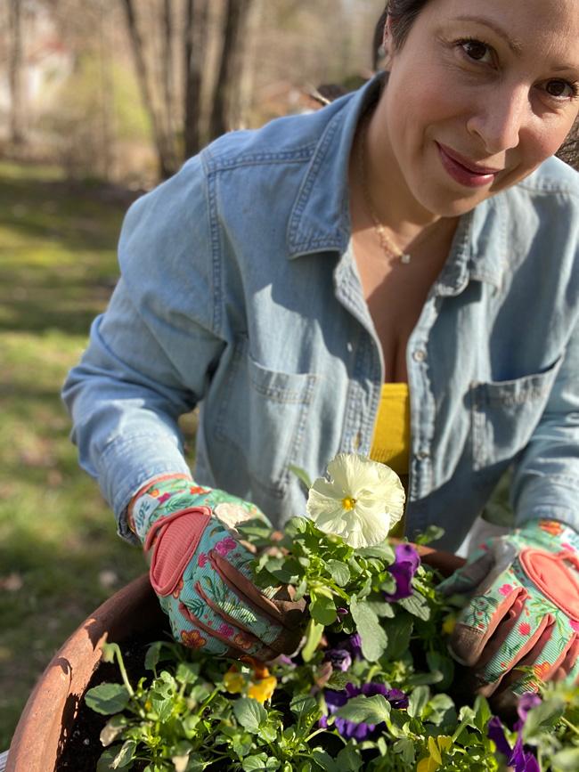 Jennifer Gandia gardening