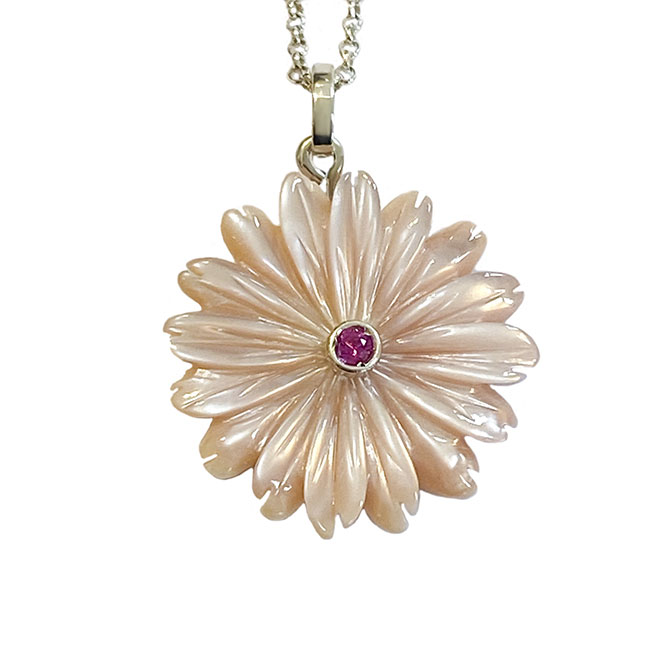 Maisonette flower pendant