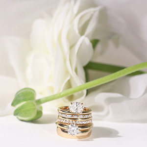 Vrai rings flower