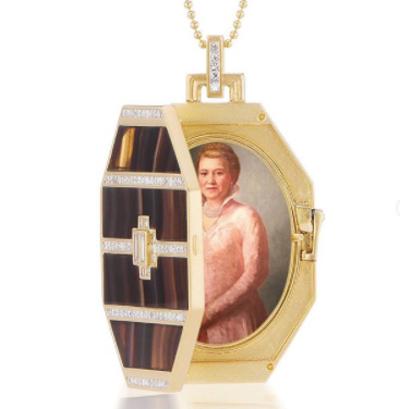 Doryn Wallach locket