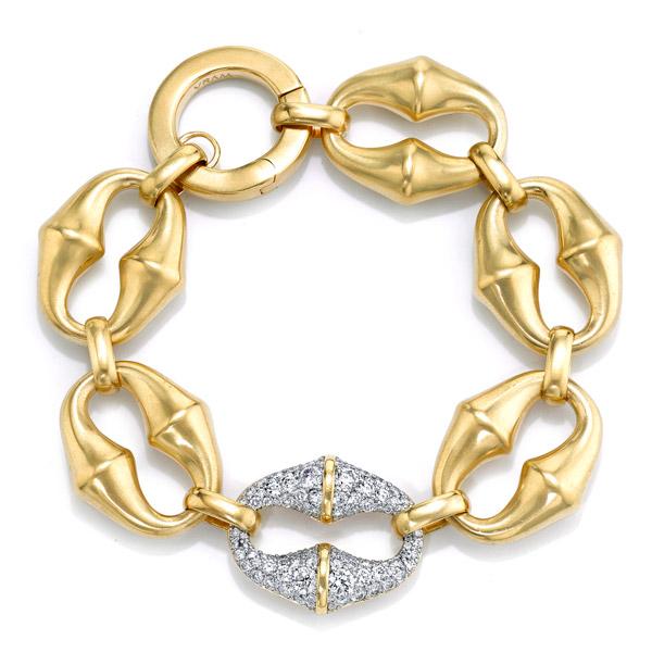 Vram Chrona diamond bracelet