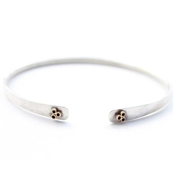 Elle Naz flower bracelet