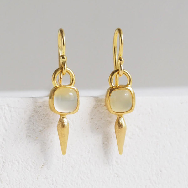 I Seira moonstone pod drop earrings