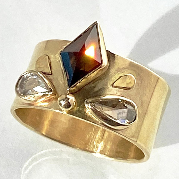Jen Volkodav brown diamond ring