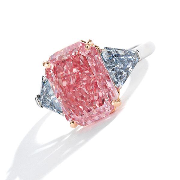 Sothebys fancy vivid pink diamond