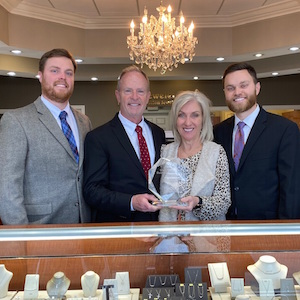 Falls Jewelers Wins Edge Retail Academy Award