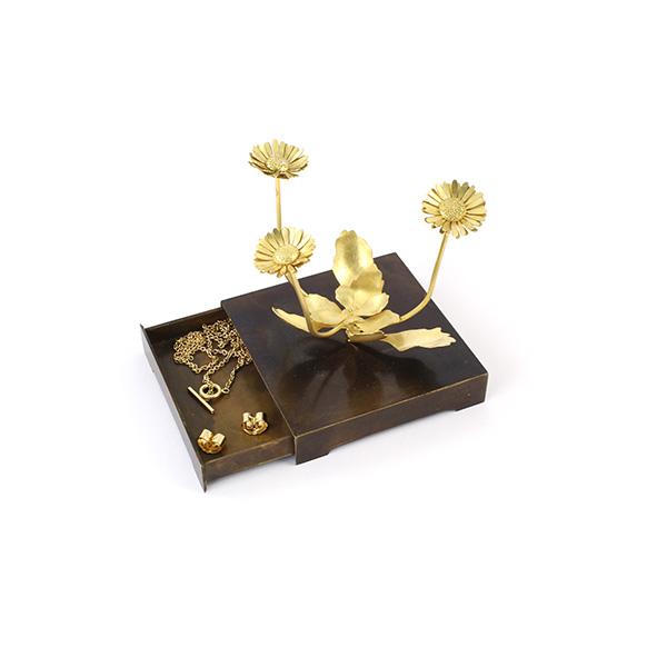 Christopher Thompson Royds daisy sculpture set