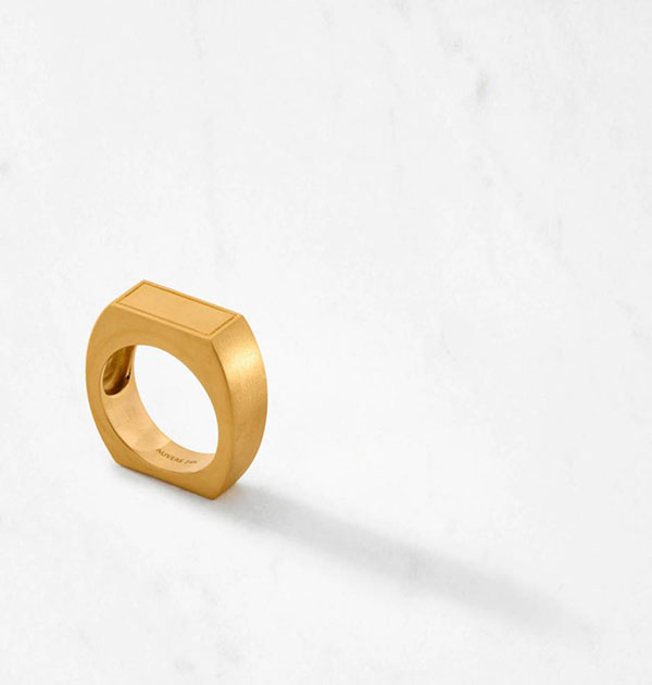 Auvere gold ring
