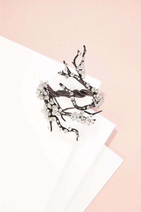 Jar Branch Under Snow bracelet