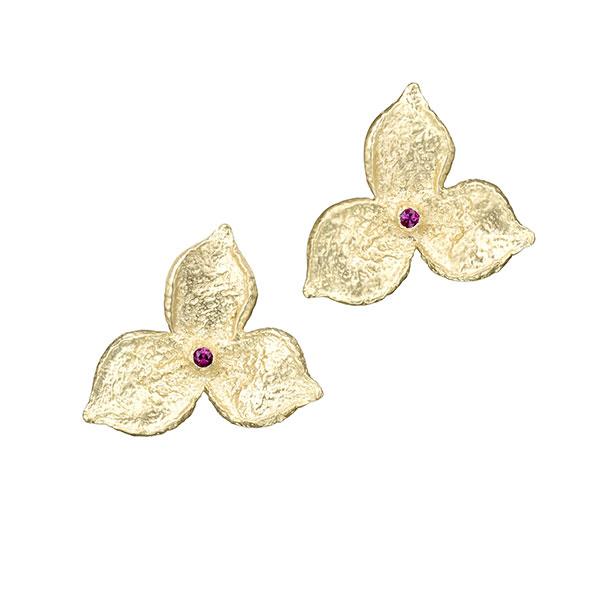 Sandrine B. Jewelry Fairmined gold earrings