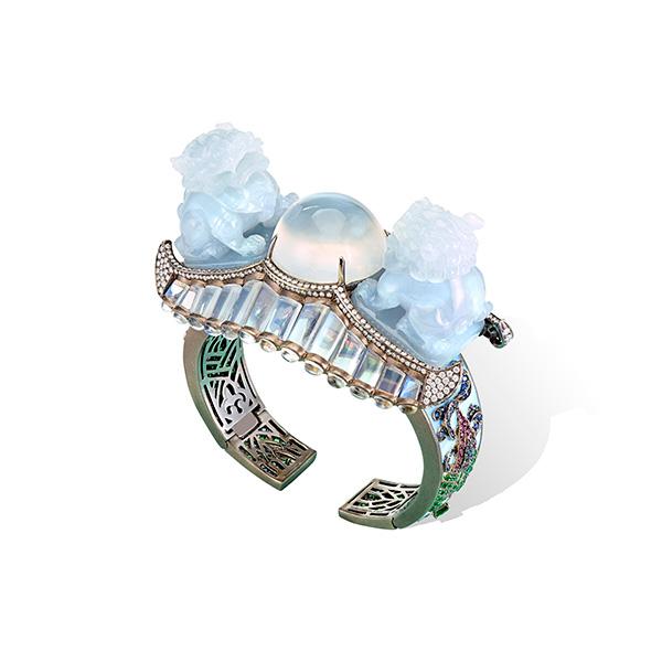 Lydia Courteille lions bracelet