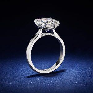 Britney Lioness ring