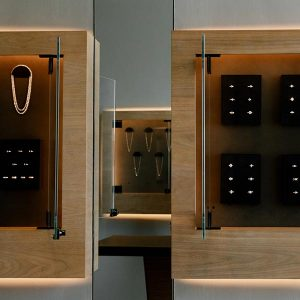Vrai created wall-mounted displays for its lab-grown diamonds and jewelry to display it like art.