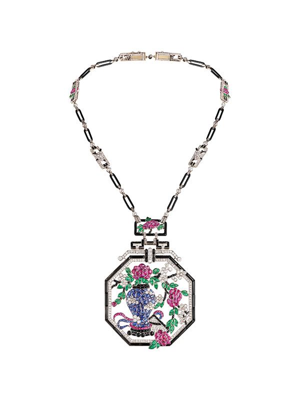 Van Cleef Arpels Asian long necklace