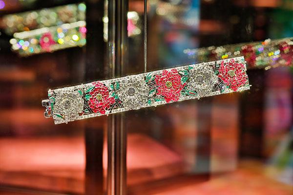 Van Cleef Arpels rose bracelet