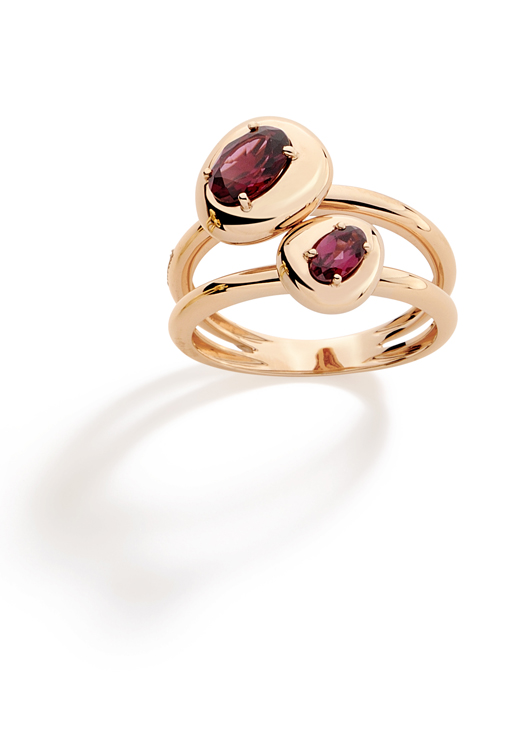 Corcovado ring in 18k gold with rhodolite garnets by Brumani