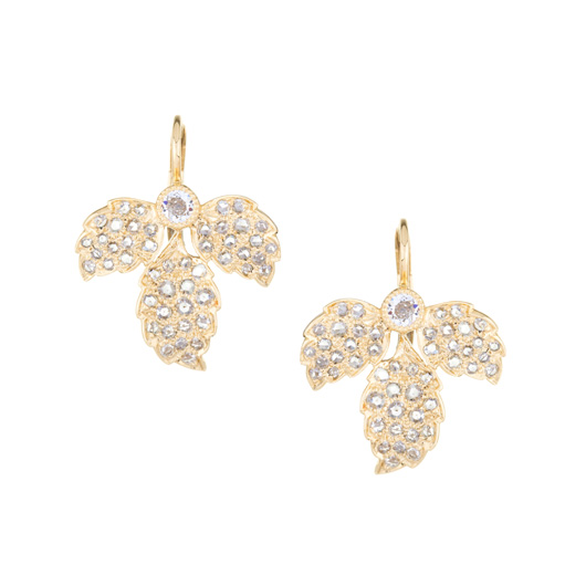 Earrings from the Sethi Couture Heritage collection in 18k gold with diamonds