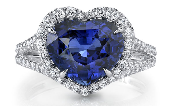 Omi Prive heart-shape sapphire and diamond ring