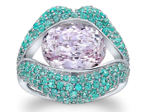 Loretta Castoro KissMe paraiba and kunzite ring