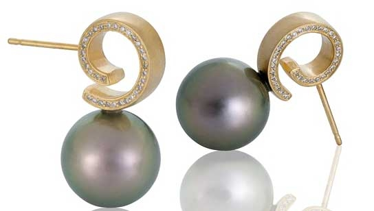Martha Seely Timeless pearl twist earrings