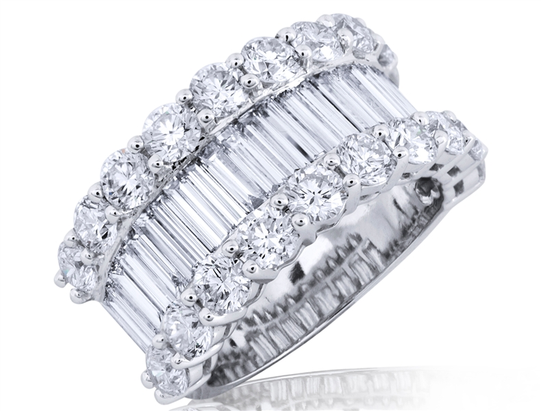 Mira Style baguette and round diamond band