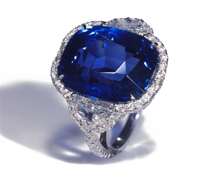 Bayco The Ultimate Blue sapphire and diamond ring