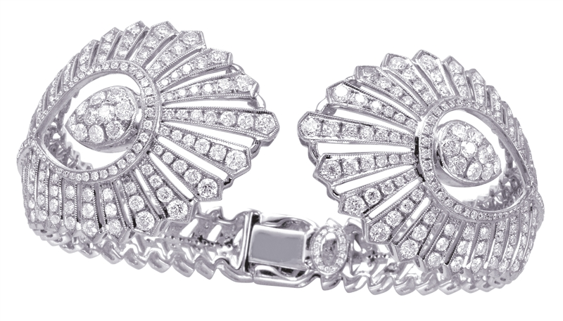 Casa Reale Signature diamond bangle bracelet