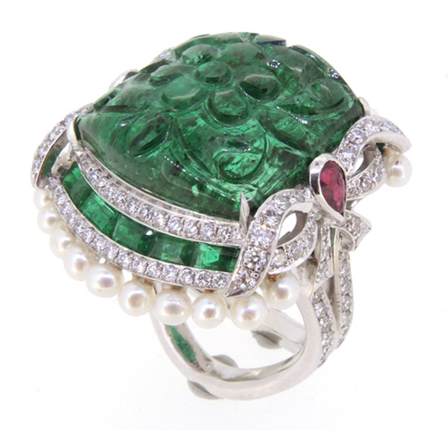 Lee Jewellery carved emerald and pearl ring