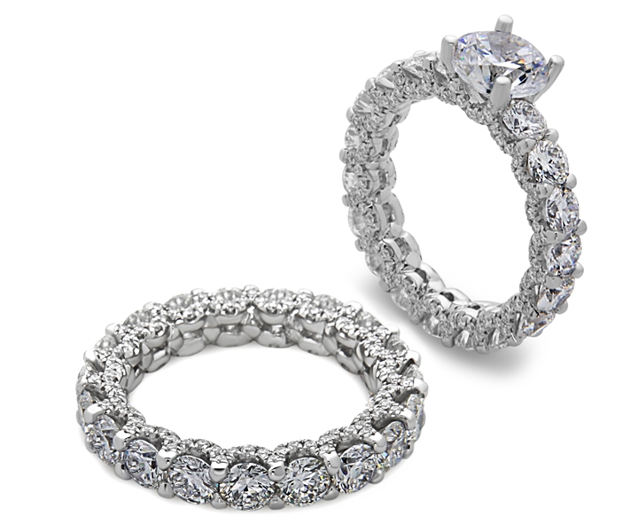 De Hago Bands of Love collection diamond wedding set
