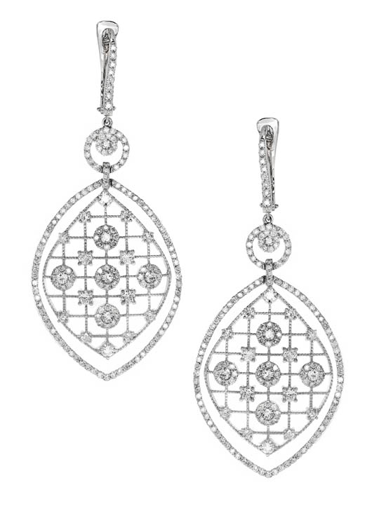 Earrings in 18k gold with diamonds from Alishaev Brothers