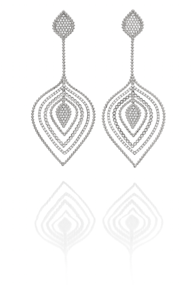Earrings in 18k white gold with diamonds by Carla Amorim worn by Carrie Anne Inaba to the 2014 Emmys