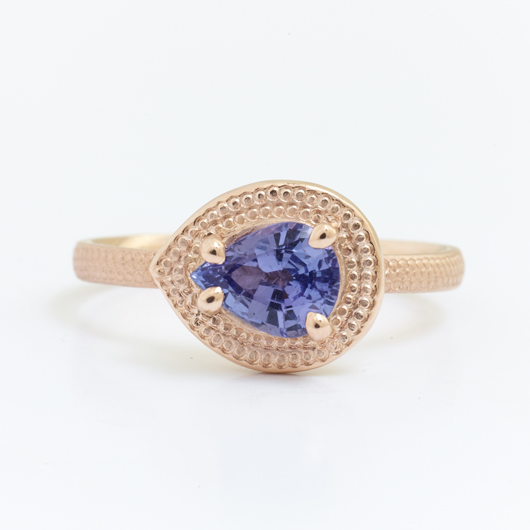 Anne Sportun ring in gold with tanzanite