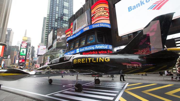 Breitling Jet Team in Times Square