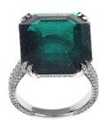 Emerald and diamond ring by Chopard worn by Julianne Hough to the 2014 Emmys