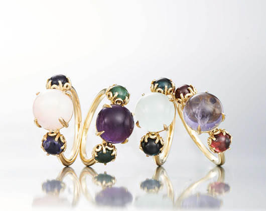 Czarina 3-Stone rings in 18k yellow gold with gemstones from Daria de Konig