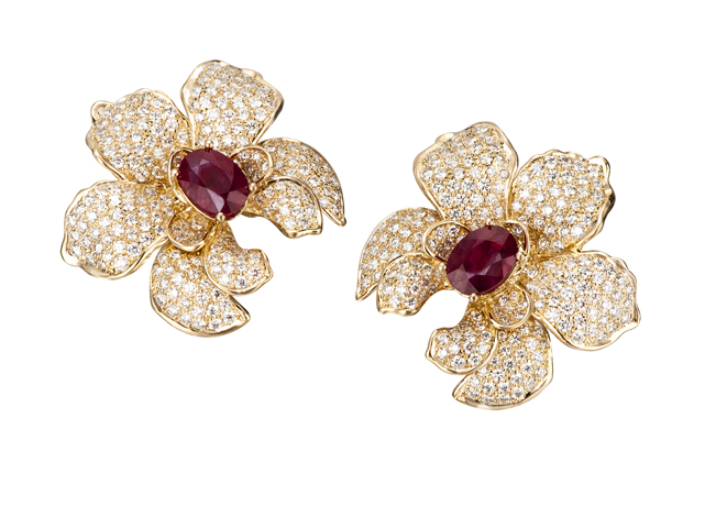 Medium Orquideas earrings by Carrera y Carrera