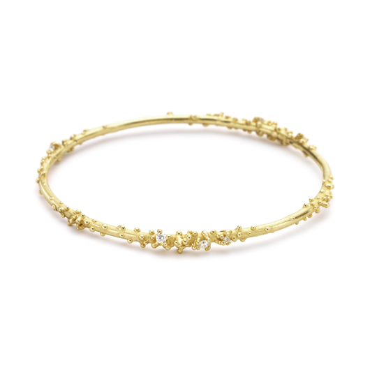 Encrusted bangle in 18k gold with diamonds by Ruth Tomlinson
