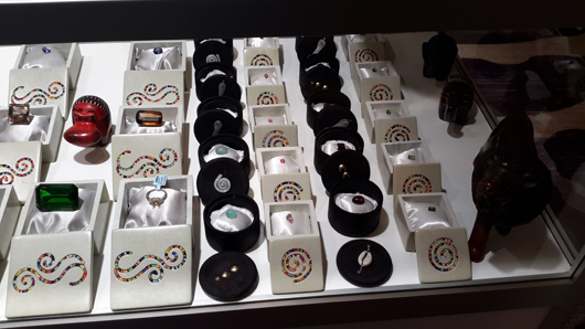 Gems from Porini on display at JCK Tucson