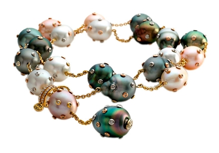 Pearl jewelry from Hector Hassey