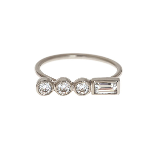 Ilana Ariel ring in 14k gold with diamonds