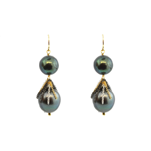 Fringed earrings in silver and 14k gold with Tahitian pearls by Mabel Chong