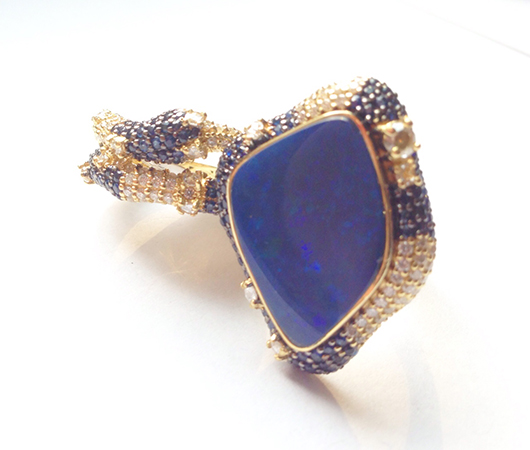 Ring in gold with opal from Michael John Jewelry
