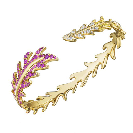 Feather cuff in gold with sapphires from Mimi So