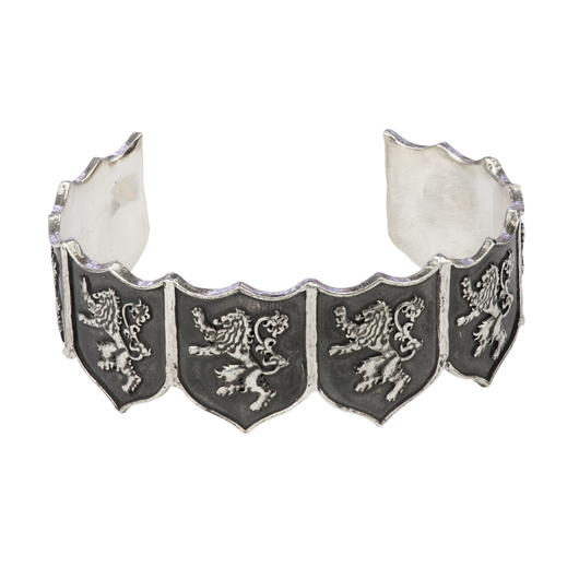 Game of Thrones cuff in silver from Pyrrha