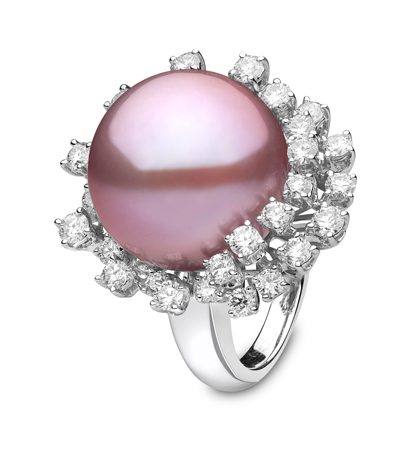 ring with pink freshwater pearl from Yoko London