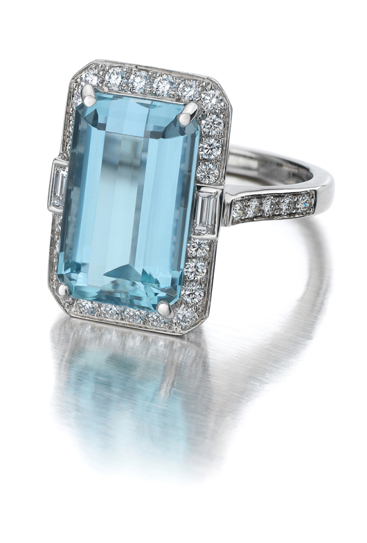 Suna vinage-inspired ring in gold with aquamarine and diamonds