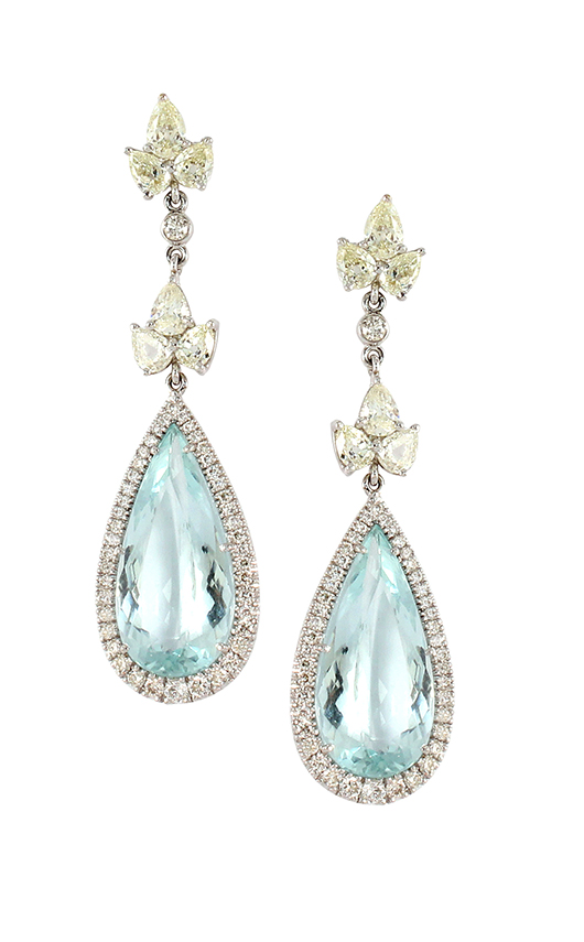 Earrings in 18k gold with aquamarines and diamonds by Vivaan